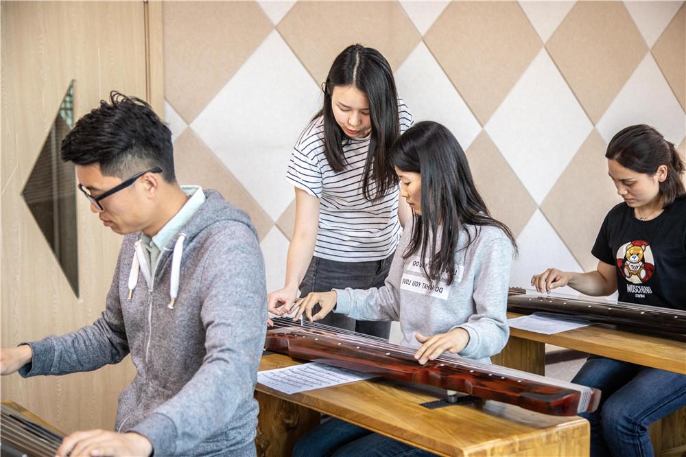 成人学习古琴指法