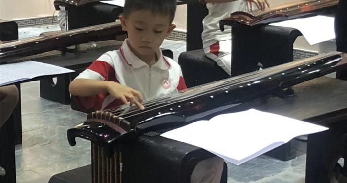 少儿古琴一对一上课场景
