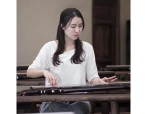 古琴老师-李月