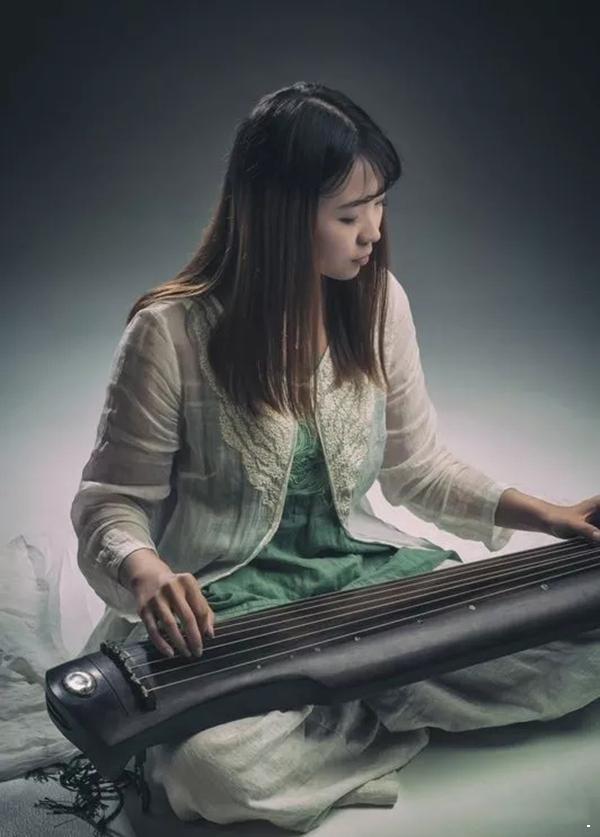 古琴老师-张晨曦
